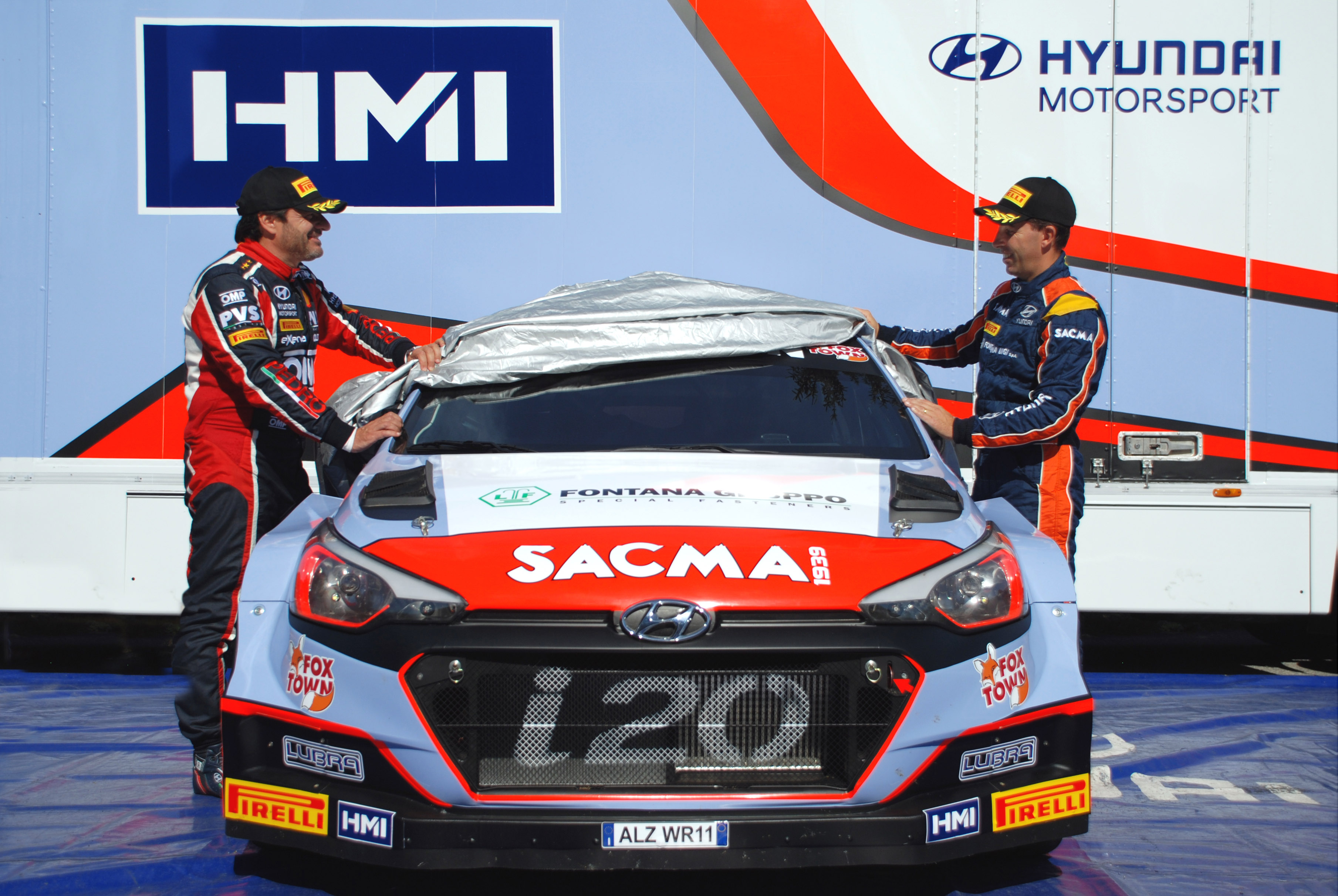 2 Hyundai New Generation i20 WRC 2016 reached the home of  HMI - Italian Rally Team